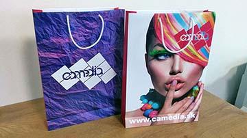 Papierové tašky s farebnou potlačou